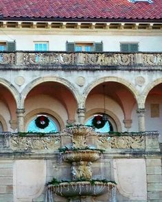 30 Times Everyday Objects Hilariously Look Like Something Else Things With Faces, Hidden Face, Strange Places, Making Faces, Tier Fotos, Animals Images, Everyday Objects, Land Art, Amazing Architecture