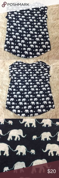 """Ann Taylor LOFT Linen Elephant Top 🐘 Size M 100% Linen New with only the size tag! No flaws Across the Chest: 39"""" Length: 28"""". This top can be dressed up or worn casually! Ann Taylor Tops Blouses"""