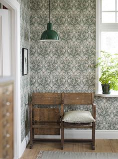 wallpaper Thistle by Boråstapeter - Green - 7203 Boråstapeter damask style wallpaper design of entwining thistles creating a unique vintage feel to your room. This is such gorgeous wallpaper! I love the old vintage cinema chairs too! Thistle Wallpaper, Flowery Wallpaper, Green Wallpaper, Vintage Style Wallpaper, Feature Wallpaper, Wallpaper Samples, Pattern Wallpaper, Craftsman Wallpaper, Cottage Wallpaper
