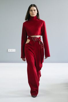 Matériel by Aleksander Akhalkatsishvili Tbilisi Fall 2017 Collection Photos - Vogue The complete Matériel by Aleksander Akhalkatsishvili Tbilisi Fall 2017 fashion show now on Vogue Runway. Fashion 90s, Look Fashion, Runway Fashion, High Fashion, Fashion Beauty, Fashion Show, Autumn Fashion, Fashion Dresses, Womens Fashion