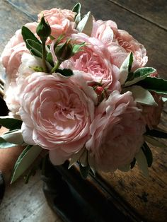 Bridal bouquet of Queen of Sweden roses