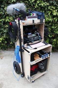 DIY plywood sound cart with plywood clip bracket - fotografie Camping Photography, Photography Equipment, Photography Lighting, Flash Photography, Ikea Furniture, Plywood Furniture, Vlogging Equipment, Camera Equipment, Woodworking