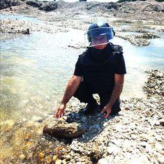 DÂMBOVIȚA Interventie la Dobra! Un proiectil a fost găsit de un cetățean, pe malul râului Ialomița! Asana, Hats, Bending, Hat, Hipster Hat
