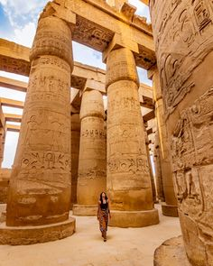 We can offer great vacation 4 days trip package in Egypt accompanied by Egyptologist tour guide to visit the most important landmarks of Cairo & Luxor and explore the secrets of Karnak temple. Book no Luxor Temple, Desert Temple, Cairo, Wallpaper Paisajes, Paises Da Africa, Architecture Antique, Building Architecture, Architecture Design, Vacation Places