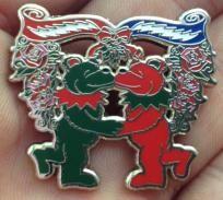 Grateful Dead Christmas Bears Kissing Under Mistletoe Pin,phish,panic,sci,moe
