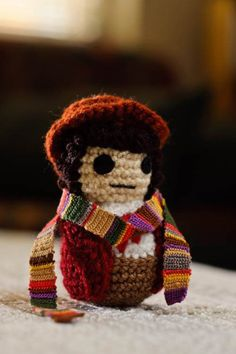 Doctor Who crochet- I don't crochet but would try again just to make these.