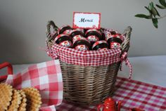 Homemade jam for the guests. Little Red Riding, Red Riding Hood, Jam Favors, Colorful Birthday Party, Woodland Party, Party Themes, Basket, Candy, Homemade