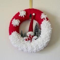 Snowman Wreath, Winter Wreath, Red Wreath, Felt and Yarn Wreath, 12 inch size - Ready to Ship