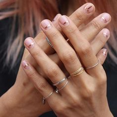 If you prefer a shorter, natural nail then this trend may be right up your alley. We are loving minimalist nail art designs with their mix of super sheer nail colors and simple designs (very often in gold/rose gold) using strip tape, glitter and gems. Minimalist Nails, Minimalist Style, Nagel Tattoo, Nail Striping Tape, Nagel Hacks, Manicure E Pedicure, Manicure Ideas, Easy Nail Art, Nude Nails