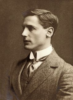 Robert Gibson won several awards in Organic Chemistry and Civil Law. Unfortunately he was killed in combat at the battle of Hill on May 5, 1915 at the age of 28.