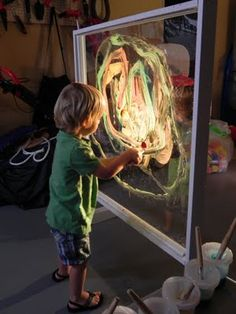"I love this giant Perspex easel - an OHP has been used to illuminate it ("",)"