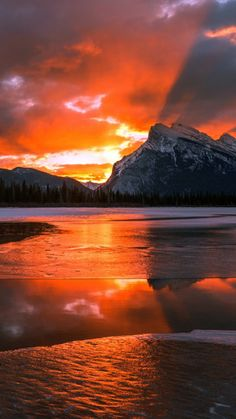 Sunrise over Banff National Park, Alberta, Canada Beautiful Sunset, Beautiful World, Beautiful Places, All Nature, Amazing Nature, Banff National Park, National Parks, Landscape Photography, Nature Photography
