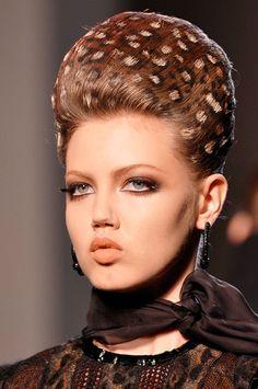 Inspírate en los peinados de los desfiles de alta costura (II)