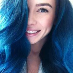 Lauren Calaway blue hair