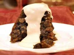 Boozy Brandy (or Rum) Sauce for the Christmas Pudding: Christmas Pudding with Rum Sauce