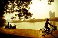 Peaceful-morning-in-hanoi