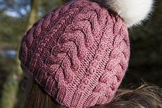 Ravelry: Cable Hat pattern by Dora Stephensen Crochet Beanie Hat, Knitted Hats, Crochet Hats, Crochet Braids, Crochet Granny, Cable Knitting Patterns, Vintage Crochet Patterns, Knitting Tutorials, Cable Knit Hat