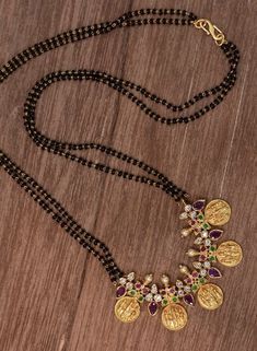 Gold Mangalsutra Designs, Gold Jewellery Design, Bead Jewellery, Pendant Jewelry, Beaded Jewelry, Gold Jewelry Simple, Wedding Jewelry, Fashion Jewelry, Collections