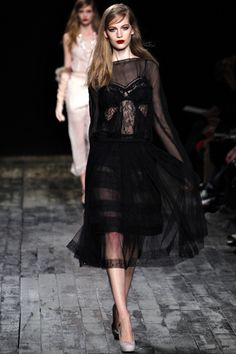 Nina Ricci Fall 2012 Ready-to-Wear Collection Slideshow on Style.com