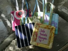 Homemade Gifts: Luggage Tags diy ... #LuggageTag #sewing