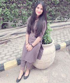 Cute Beauty, Beauty Full Girl, Pakistani Fashion Casual, Indian Fashion, Patiala Suit Designs, Punjabi Models, Indonesian Girls, Cute Girl Photo, Beautiful Girl Indian