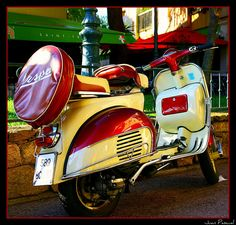 That is one sweet Vespa