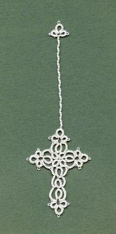 Tatted cross by Annie's Granny Design, design by Elizabeth Zipay