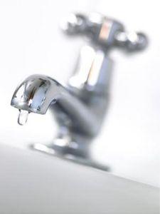 vinegar, salt, baggie, rubber band...clean faucet