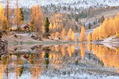 Rifugio Palmieri e Lago Federa alla Croda da Lago Belluno Dolomiti Veneto Italia