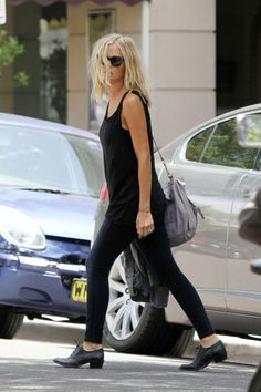 Lara Bingle #Australia #celebrities #LaraBingle Australian celebrity Lara Bingle loves http://www.kangadiscounts.com