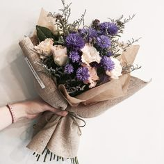 dream of a bouquet ♡ Boquette Flowers, How To Wrap Flowers, Flower Boxes, Dried Flowers, Planting Flowers, Beautiful Flowers, Bunch Of Flowers, Bouquet Wrap, Hand Bouquet