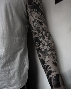 black and white japanese sleeve tattoos - Szukaj w Google