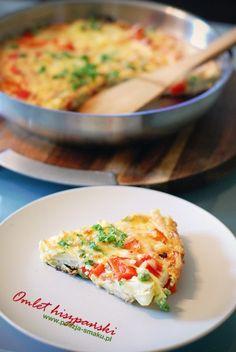 Omlet hiszpański (Omlette - recipe in Polish) Cheeseburger Chowder, Pesto, Macaroni And Cheese, Soup, Eggs, Dishes, Cooking, Ethnic Recipes, Polish