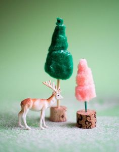 Pom Pom Mini-Trees DIY | Oh Happy Day!