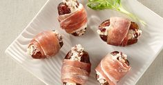 Dattes farcies au Boursin® Canneberge & Poivre et prosciutto Recipes Appetizers And Snacks, Yummy Appetizers, Appetizers For Party, Date Recipes, Holiday Recipes, Prosciutto Recipes, Boursin Cheese, Food Inspiration, Food And Drink