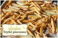 Najlepsze frytki w życiu! Bardzo chrupiące, w pysznych przyprawach i pieczone w małej ilości tłuszczu.  Skład (1 duża blacha frytek, dla 4 osób): 4-5 dużych ziemniaków, 3 łyżki oleju rzepakow...