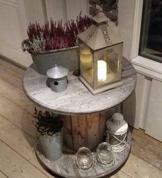 lite bord til å ha ute på verandaen nede