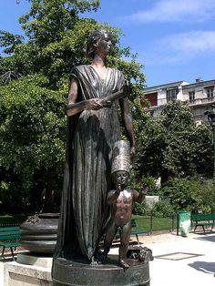 Monument des Droits de l'Homme (Human Rights monument) by Ivan Theimer, Avenue Charles Risler, Champ de Mars 7e arrondissement, Paris