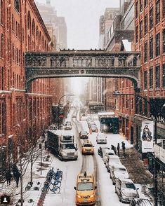 Het heeft gesneeuwd in New York City en dat leverde deze filmachtig mooie foto's op – Froot.nl It has snowed in New York City and that gave these filmy beautiful pictures – Froot. New York Trip, New York City, New York Travel, Travel Usa, Urbane Fotografie, Places To Travel, Places To Visit, York Things To Do, Ville New York