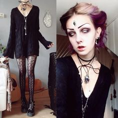 OOTD  Inspired by vampires. Just running some errands and went into town to buy make-up and mugs and finally an outfit mirror! I haven't had a long mirror since the 3 years I live here..
