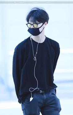 Nike Jacket, Bomber Jacket, My Pool, My Muse, Korean Artist, Seong, Airport Style, Kpop Aesthetic, Ulzzang Girl