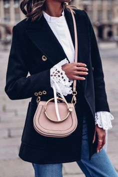 And Chloe? Are you trying to kill me with the bracelet bag. Pink Fashion, Fashion Outfits, Womens Fashion, Style Fashion, Fashion Jewelry, Chloe Nile Bag, Chloe Bag, Blazers, Blazer Outfits