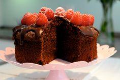 Melina's süßes Leben: Saftiger Schokoladenkuchen - Mein Rezept im Radio Cheesecake, Desserts, Wordpress, Blog, Happy Birthday, Cake Ideas, Dessert Ideas, Chocolate Pies, Treats