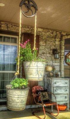 Eclectic Home Tour - Living Vintage - Gartenprojekte - gardening Diy Gardening, Container Gardening, Organic Gardening, Gardening Gloves, Bucket Gardening, Beginners Gardening, Plant Containers, Vintage Gardening, Gardening Courses