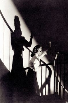THE SPIRAL STAIRCASE (1945) film noir thriller dir. Robert Siodmak. Mute Dorothy McGuire is alone as a homicidal maniac is on the loose. (please follow minkshmink on pinterest) #filmnoir #thriller #dorothymcguire