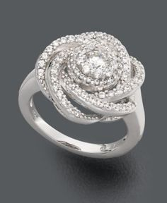 wow... would be even prettier with an emerald or saphire in the middle