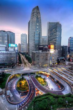 Shinjuku, Tokyo, Japan --one of the top 'foodie' cities I want to visit! Osaka, Japon Tokyo, Shinjuku Tokyo, Amazing Buildings, Visit Japan, Sapporo, City Photography, Yokohama, Japan Travel
