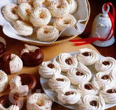 Lajos Mari konyhája - Alaprecept – Habkarika, avagy habcsók Meringue, Macaron, Pavlova, Cereal, Food And Drink, Pudding, Cookies, Baking, Breakfast