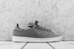 adidas Stan Smith Leather Sock in Two Colorways - EU Kicks: Sneaker Magazine Adidas Stan Smith, Air Jordan, Reebok, Nba, Sneaker Bar, Leather Socks, Sneaker Magazine, Fashion Socks, Adidas Originals