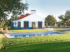 Ride the Alentejo Coast Pool. Along the lake and beach Exterior House Colors, Exterior Paint, Santiago Do Cacem, Portugal Holidays, Dream Beach Houses, Pet Friendly Accommodation, Spanish Style Homes, Cottage Homes, Vacation